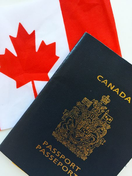 Canada-Flag_Passport-min RS